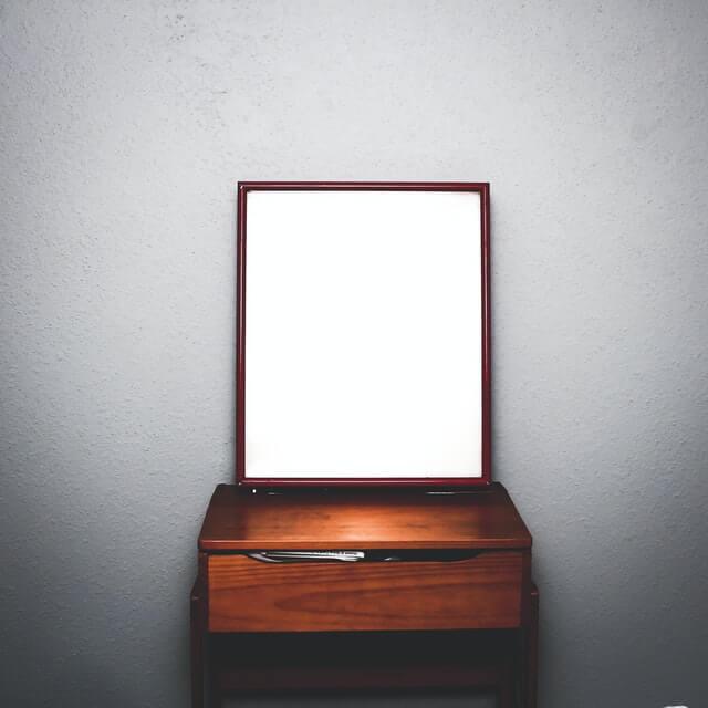 鏡のイメージ画像