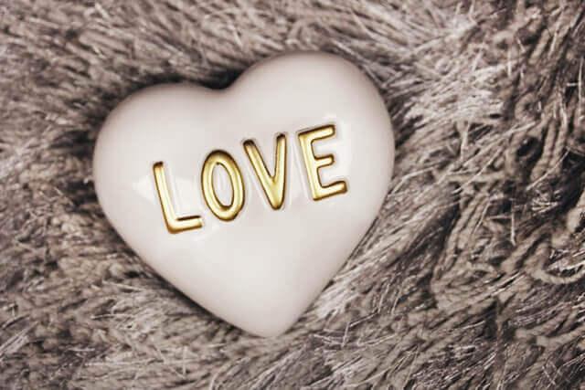 他人軸と自分軸に恋愛の違いイメージ